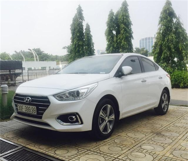 Chiếc Hyundai Accent biển tứ quý 9.