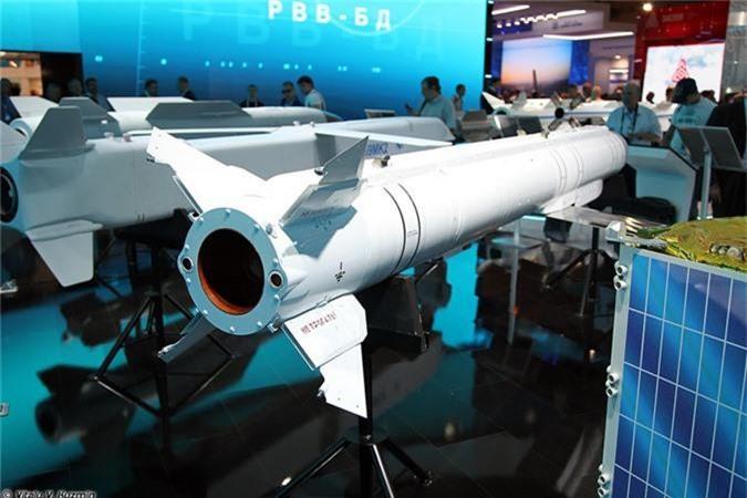 """Kham pha """"bom bay"""" cua sieu tiem kich Sukhoi Su-57 Nga-Hinh-9"""