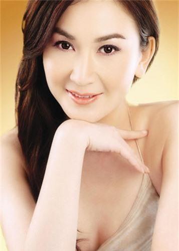 My nhan U60 nghien chup nude nhat showbiz Hoa ngu-Hinh-5