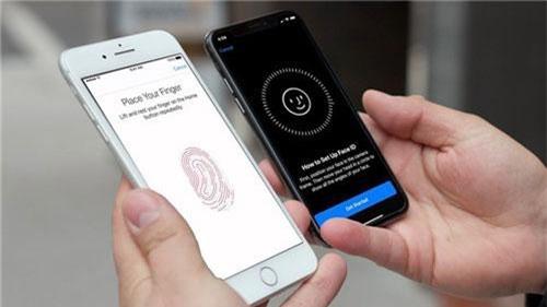 Các mẫu iPhone mới luôn được cập nhật các phương thức bảo mật tiên tiến, khiến các hãng khác phải chạy dài theo sau, như: bảo mật vân tay, nhận diện khuôn mặt… Tuy nhiên, thứ dễ bị lợi dụng nhất lại không nằm ở thiết bị phần cứng hay lỗ hổng phần mềm, mà chính là tâm lý khách hàng. Những người dùng luôn có xu hướng sợ bị mất dữ liệu, bị hack thông tin. Kẻ xấu sẽ luôn tìm cách đánh vào điểm yếu này để lừa đảo khách hàng.