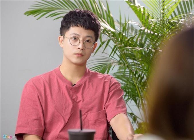 Harry Lu cho biết anh trải qua 3 cuộc phẫu thuật và hơn một năm điều trị mới hồi phục được 90%.