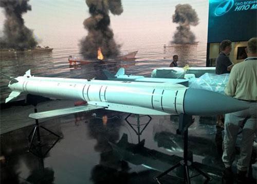 Tập đoàn Tên lửa chiến dịch - chiến thuật Nga (KTRV) đang loan báo về việc đi tới giai đoạn cuối cùng phát triển hệ thống vũ khí không đối đất dẫn đường thế hệ mới được chỉ định tên hiệu là Grom E1 và Grom E2.