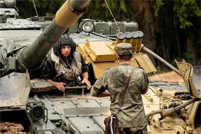 """Nang 42-46 tan, """"xe tang bay"""" T-80 Nga vuot song the nao?-Hinh-15"""