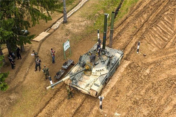 """Nang 42-46 tan, """"xe tang bay"""" T-80 Nga vuot song the nao?-Hinh-3"""