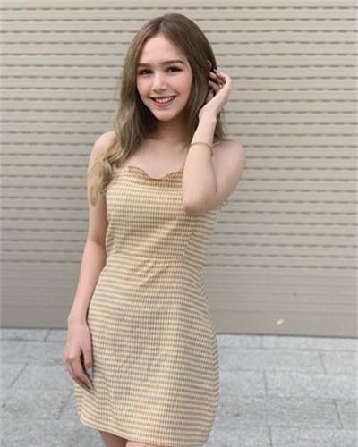 Hot girl 2K2 so huu mat xinh, body goi cam ngo la gai Tay-Hinh-4