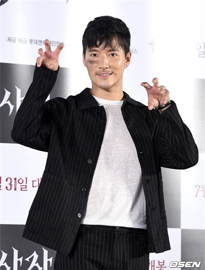 Sự kiện VIP hội tụ 30 sao khủng: Park Seo Joon mời V (BTS), tài tử Hậu duệ mặt trời, Kí sinh trùng và toàn mỹ nhân - Ảnh 14.