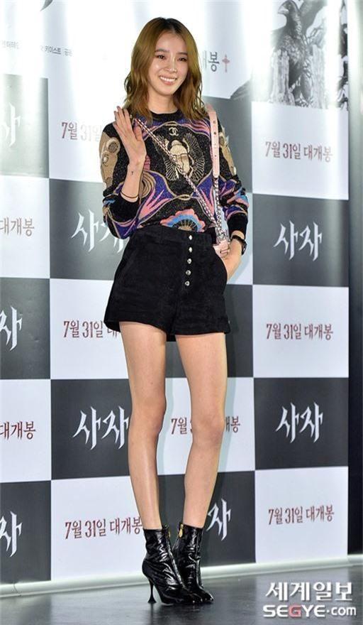 Sự kiện VIP hội tụ 30 sao khủng: Park Seo Joon mời V (BTS), tài tử Hậu duệ mặt trời, Kí sinh trùng và toàn mỹ nhân - Ảnh 21.