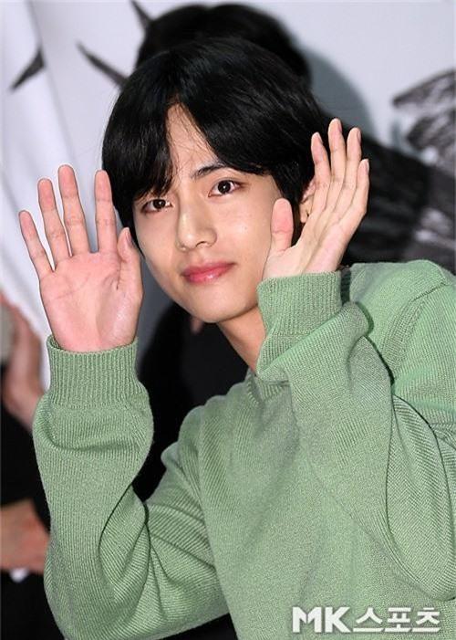 Sự kiện VIP hội tụ 30 sao khủng: Park Seo Joon mời V (BTS), tài tử Hậu duệ mặt trời, Kí sinh trùng và toàn mỹ nhân - Ảnh 8.