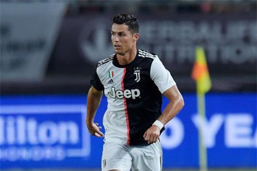 1. Cristiano Ronaldo (Juventus, ĐT Bồ Đào Nha).