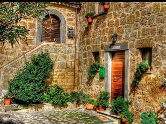 Khám phá thị trấn 2.500 năm tuổi ở nước Ý - 6