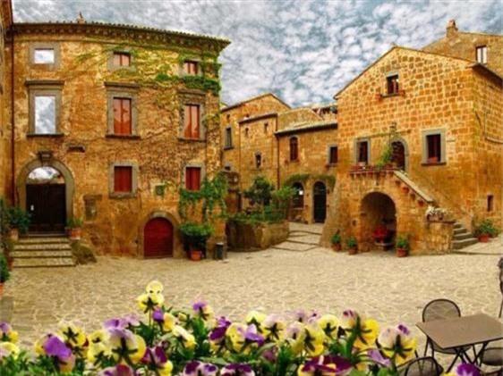Khám phá thị trấn 2.500 năm tuổi ở nước Ý - 7