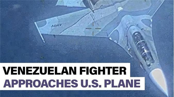 """Hôm 20/7, truyền thông Mỹ đồng loạt dẫn nguồn Bộ tư lệnh miền Nam Mỹ vụ việc một máy bay trinh sát EP-3 Aries của nước này bị các máy bay chiến đấu Su-30MK2 của Không quân Venezuela """"tấn công dữ dội"""" trên không phận quốc tế vùng biển Caribe. Nguồn ảnh: the Sun"""