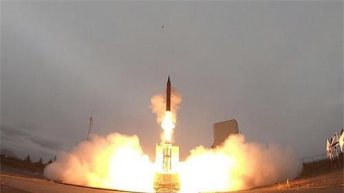 Một vụ thử nghiệm đánh chặn đối với tổ hợp phòng thủ tên lửa Arrow-3 của Israel. Ảnh: Al Masdar News.