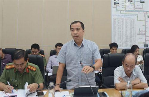 Ông Ngô Sơn Hải, Phó Tổng giám đốc EVN báo cáo tại cuộc họp