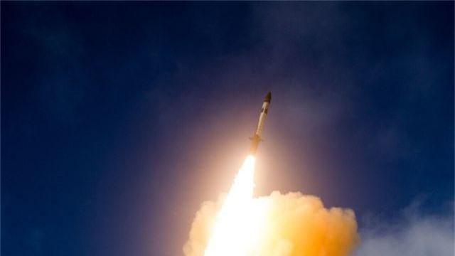 Bộ trưởng Quốc phòng Mỹ nói sắp triển khai tên lửa tại châu Á - 1