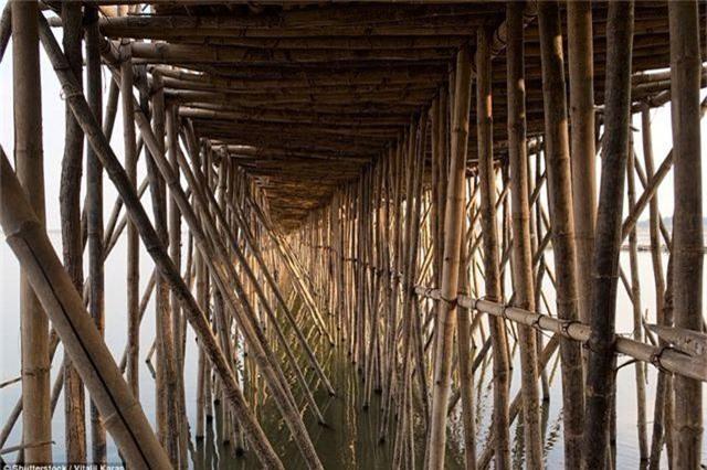 Nét độc đáo khác lạ của cây cầu tre
