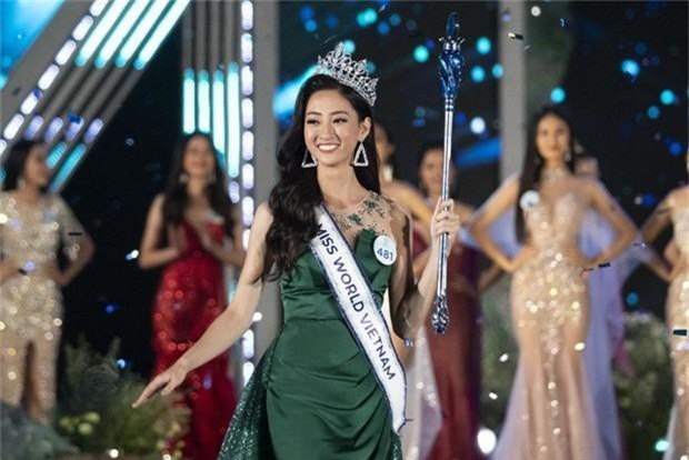 Không chỉ trùng tên, Tân Miss World Việt Nam 2019 còn có những điểm trùng hợp đến ngỡ ngàng với Hoa hậu Đỗ Mỹ Linh  - Ảnh 1.