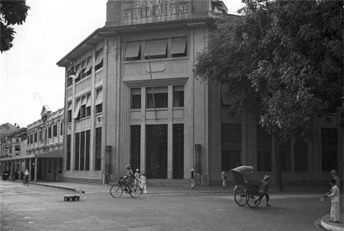Loat anh choang ngop ve khu pho sang nhat Ha Noi nam 1940-Hinh-2