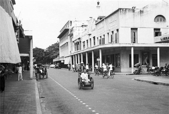 Loat anh choang ngop ve khu pho sang nhat Ha Noi nam 1940-Hinh-6