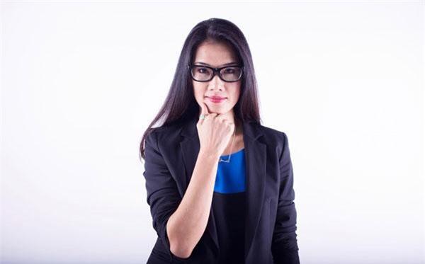 Thông minh và sắc sảo, xinh đẹp và tràn đầy năng lượng tích cực là những điều mọi người xung quanh luôn cảm nhận về chị Kim Oanh. Ảnh: Thương gia online