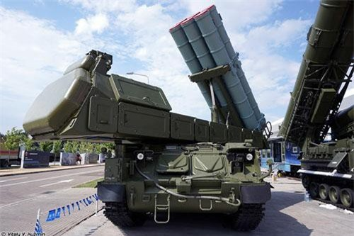 Trong khuôn khổ Diễn đàn quân sự - kỹ thuật Army 2019 mới kết thúc cách đây không lâu, Tập đoàn Almaz-Antey giới thiệu phần lớn các thành phần chính của hệ thống tên lửa phòng không tầm trung thế hệ mới nhất 9K317M Buk-M3 Viking. Nguồn ảnh: Vitaly-Kuzmin