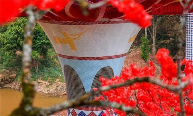 """Cận cảnh cây cầu kính trong suốt """"độc nhất, vô nhị"""" đầu tiên tại Việt Nam - 13"""