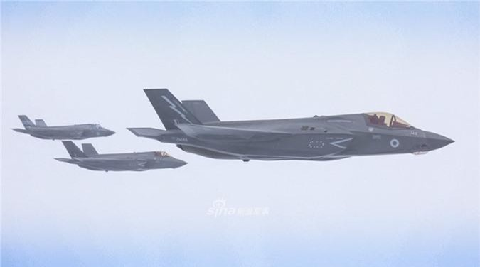 Can canh tiem kich F-35 cua Khong quan Anh tiep lieu tren khong-Hinh-3