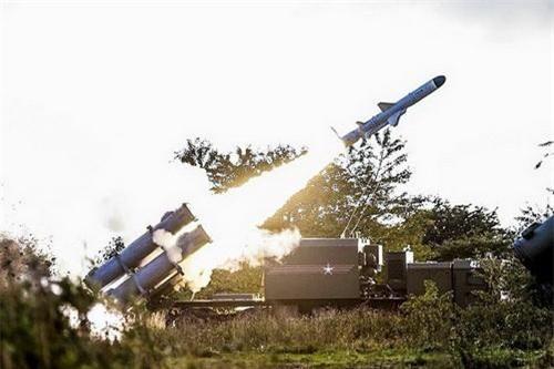 Chế tạo các hệ thống tên lửa bờ hay phòng không lục quân mạnh là không cần thiết đối với người Mỹ. Ảnh: TASS.