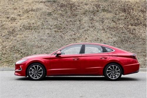 3. Hyundai Sonata (doanh số: 8.071 chiếc).