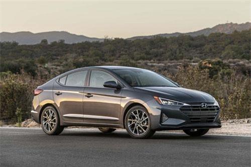 7. Hyundai Avante (doanh số: 5.654 chiếc).