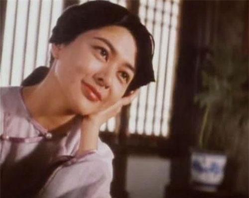Nhân vật Thập Tam Di (phiên bản Quan Chi Lâm) được coi là hình tượng người vợ thứ 4 ngoài đời thực của Hoàng Phi Hồng.