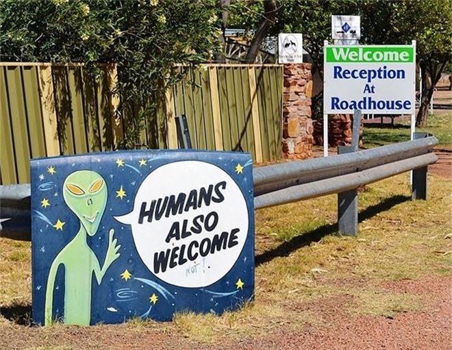 Bên trong 'thủ đô UFO' ở Australia - ảnh 2