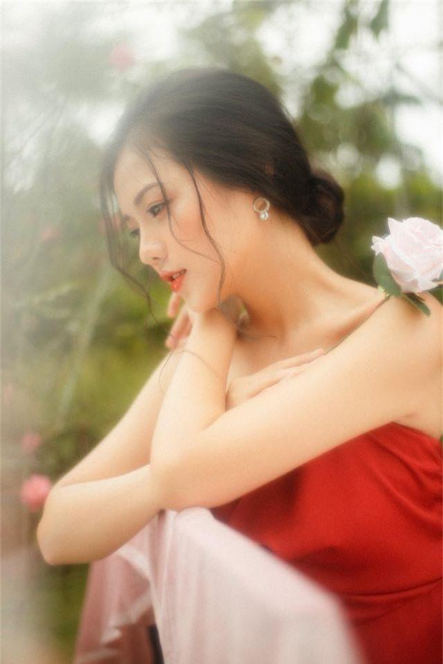 """Nàng thơ Hà thành """"đốn tim"""" người đối diện từ ánh nhìn đầu tiên - 4"""