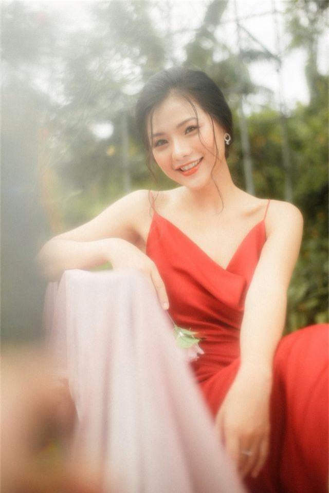 """Nàng thơ Hà thành """"đốn tim"""" người đối diện từ ánh nhìn đầu tiên - 9"""