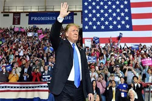 Tổng thống Donald Trump và nỗ lực đưa nước Mỹ vĩ đại trở lại.