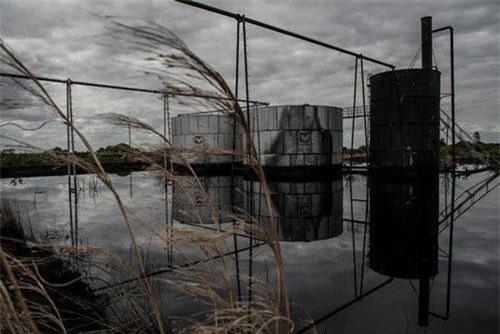 Một nhà máy lọc dầu bỏ hoang tại Venezuela