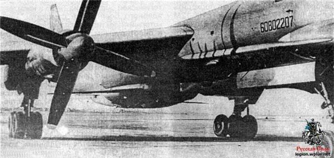 Ky la ten lua mang hinh dang tiem kich MiG-21 cua Lien Xo-Hinh-3