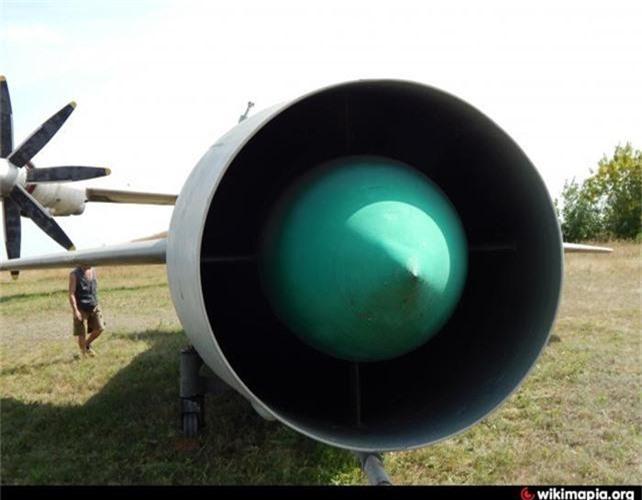 Ky la ten lua mang hinh dang tiem kich MiG-21 cua Lien Xo-Hinh-5