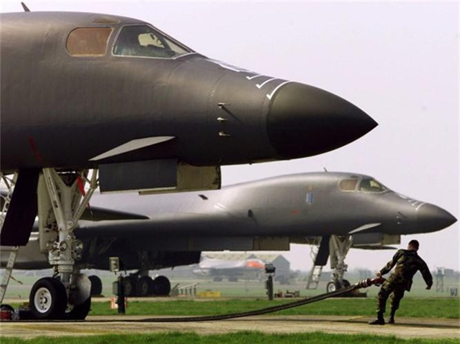 Nguy to Khong quan My: Chi con 6 may bay nem bom B-1 dung tot!-Hinh-2