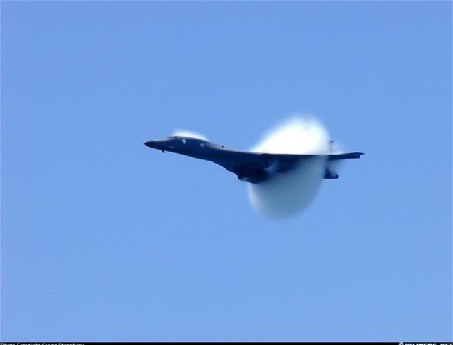 Nguy to Khong quan My: Chi con 6 may bay nem bom B-1 dung tot!-Hinh-6