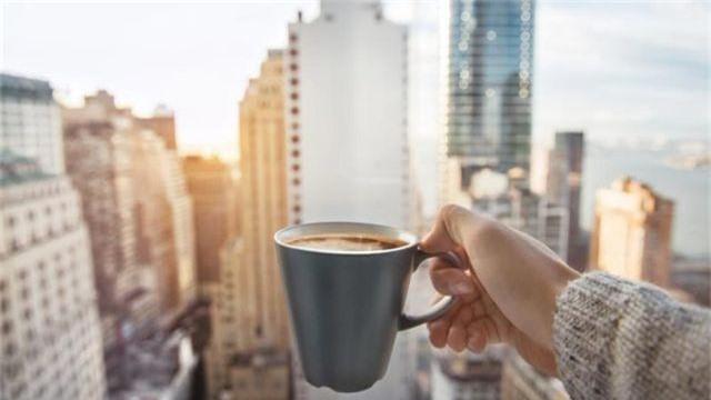 Tại sao không nên uống cà phê khi bụng đói? - 1