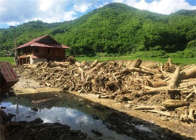 Thanh Hóa: Mưa lũ khiến 16 người chết và mất tích, thiệt hại gần 700 tỷ đồng - 3
