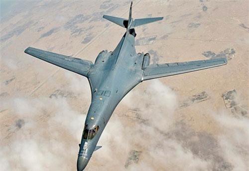 Tạp chí Không quân Mỹ dẫn lời Thượng nghị sĩ Mike Rounds - thành viên Ủy ban lực lượng vũ trang thuộc thượng viện cho hay, Không quân Mỹ hiện chỉ có 6 trên 61 máy bay ném bom B-1 có thể thực hiện mọi nhiệm vụ chiến đấu. Nguồn ảnh: Wikipedia