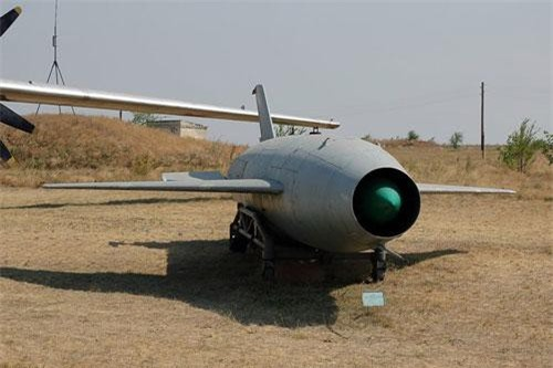 Có tên đầy đủ là Raduga Kh-20, đây là loại tên lửa hành trình được trang bị đầu đạn hạt nhân do Liên Xô phát triển trong Chiến tranh Lạnh. Loại tên lửa này được tối ưu hoá để có thể được triển khai từ cơ cấu phóng trên không. Nguồn ảnh: Wiki.