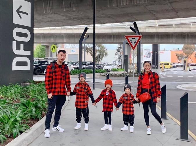 Gia đình nhỏ đang tận hưởng kì nghỉ ở Úc.