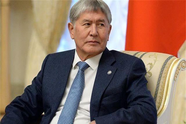 Khung cảnh tan hoang như chiến trường tại nơi đặc nhiệm Kyrgyzstan đột kích bắt cựu Tổng thống - 2
