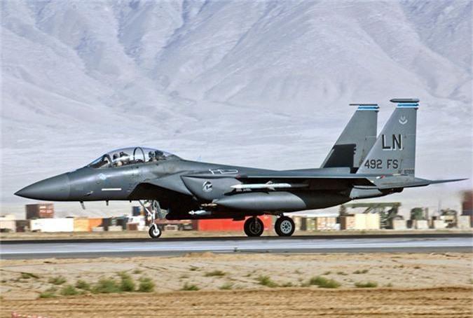 My mang F-15 gan bom chum toi Trung Dong, tau chien Iran coi chung!-Hinh-6