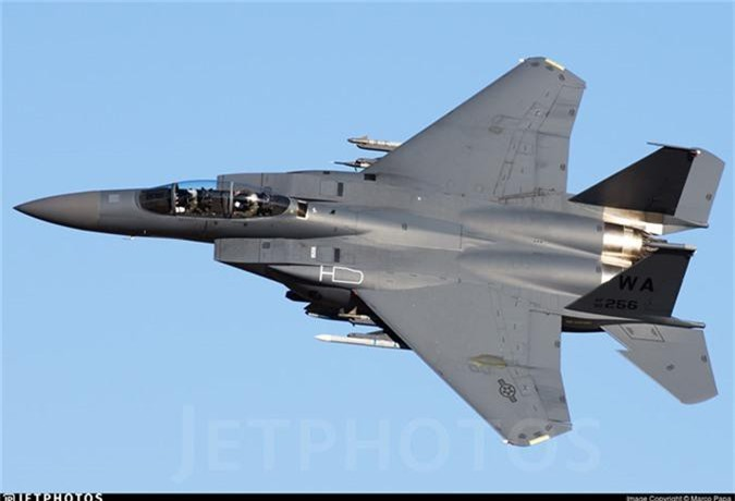 My mang F-15 gan bom chum toi Trung Dong, tau chien Iran coi chung!-Hinh-8