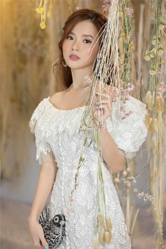 Những quý cô vàng mười của showbiz Việt: Đẹp người, đẹp nết ai cũng ưng - Ảnh 11.