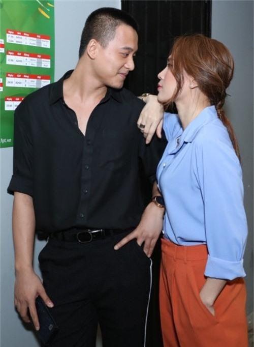 Những quý cô vàng mười của showbiz Việt: Đẹp người, đẹp nết ai cũng ưng - Ảnh 3.